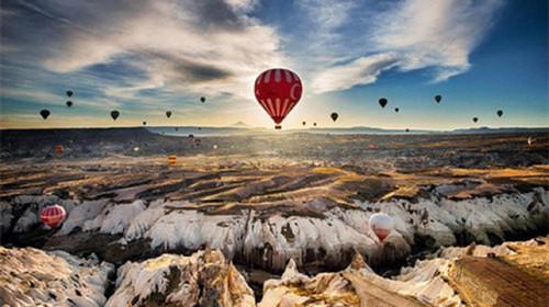 <土耳其7晚10日> 全程五星 一晚洞穴酒店 跳伞圣地费特希耶 土航直飞